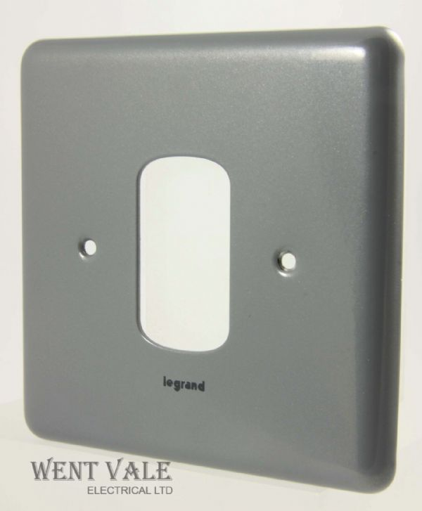 Legrand Synergy - 7339 91 - Metalclad One Module Switch Plate New